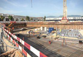 Le chantier du futur Collège des Rives symbolise parfaitement la ligne suivie par la Municipalité lorsqu'il s'agit de s'engager pour des projets d'envergure. ©Carole Alkabes