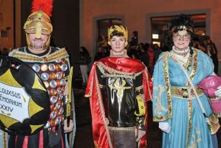 Albert Cloux, Merlin Hauser et Marie Cloux lors du défilé costumé. © Carole Alkabes