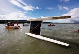 Cinq essais ont été nécessaires pour remettre à flot l'embarcation. © Champi