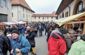 Les visiteurs se sont déplacés en masse à la Cour de Bonvillars, à l'occasion de cette 8e édition de la manifestation. ©Carole Alkabes