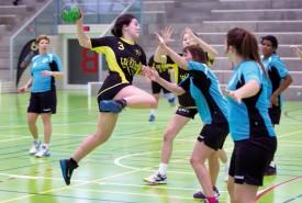 Célia Pantet, comme d'autres jeunes, s'aguerrit en 3e ligue. © Champi