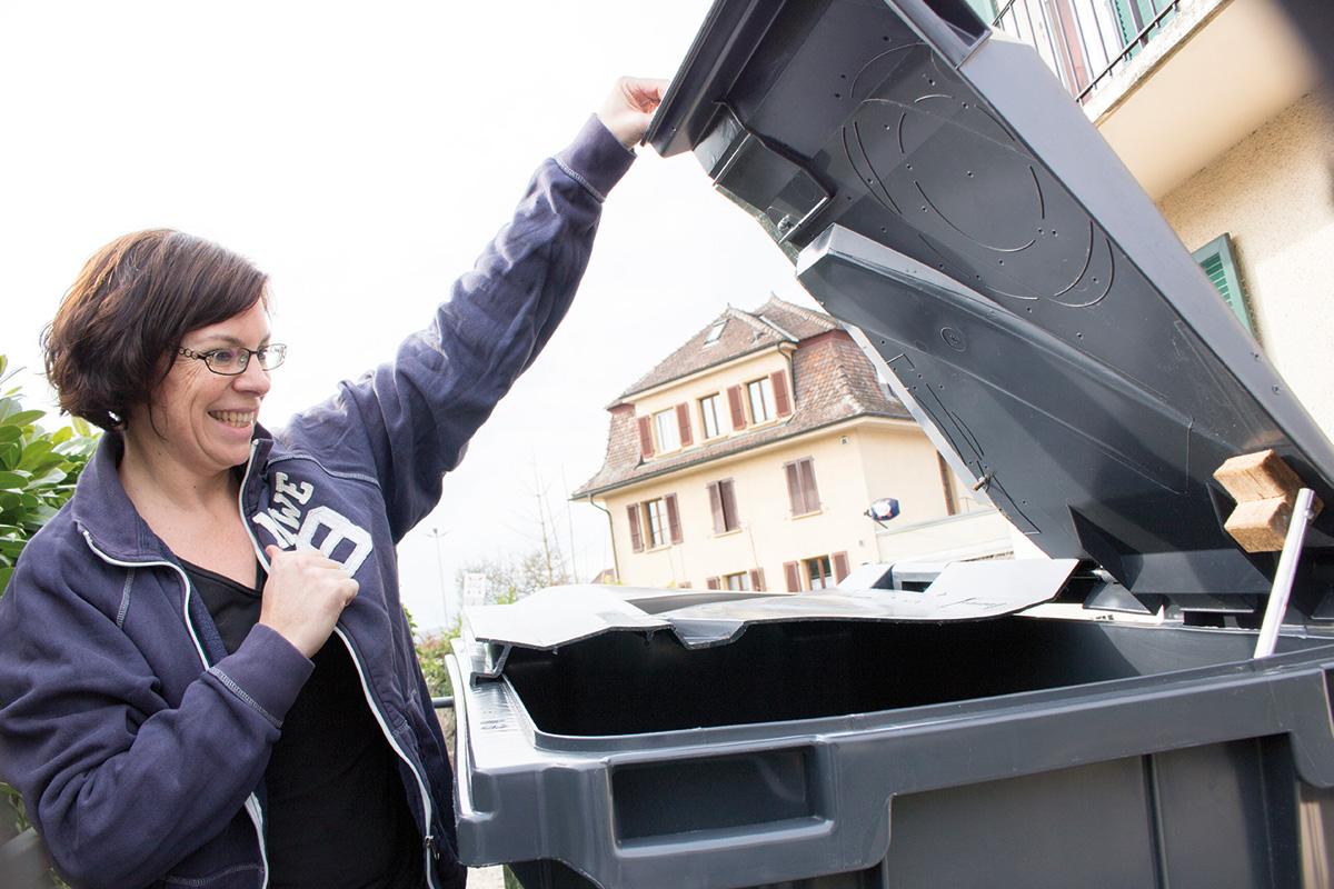Des jeunes révolutionnent la poubelle