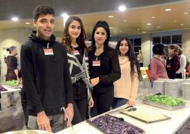 Iliasse, Bersine, Khadira et Omedan faisaient partie de la centaine de bénévoles mobilisée pour l'événement. ©Michel Duvoisin
