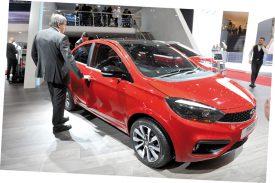 Ci-dessus, une Tata Tigor, de la marque indienne Tata, connue pour ses modèles peu onéreux. La Tata Nano a ainsi été lancée en 2008 à un prix avoisinant les 2800 francs. Elle était présentée, alors, comme la voiture la moins chère du monde. ©Michel Duperrex
