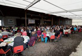 La ferme des Mollanges, à Essertines-sur-Yverdon, était remplie pour l'édition 2017 des Holstein Awards Switzerland, samedi dernier. ©Gabriel Lado