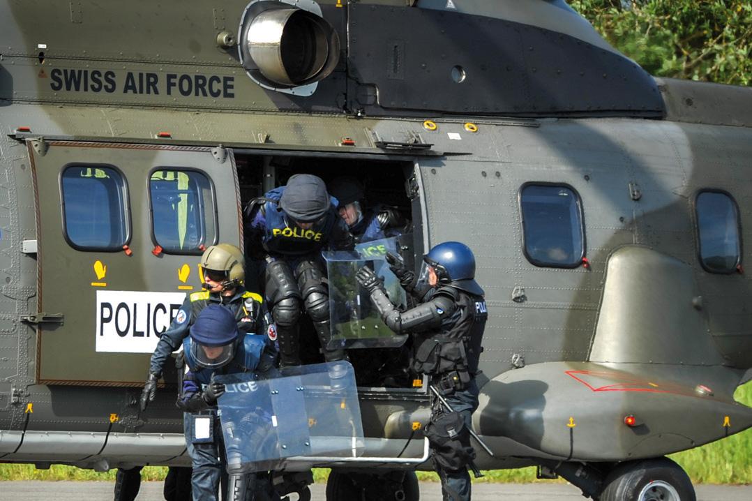 Un entraînement intensif au maintien de l'ordre
