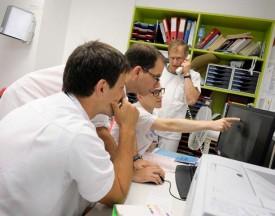 L'équipe médicale se concerte sur le cas d'un patient en attente de diagnostic. © Nadine Jacquet