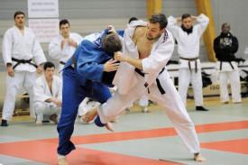 Le médaillé de bronze, Marko Virijevic (en blanc), dans ses oeuvres. © Jacquet -a
