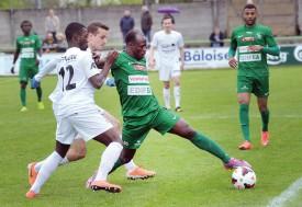 L'Yverdonnois Ousmane Traoré (en vert) était intenable. © Michel Duperrex