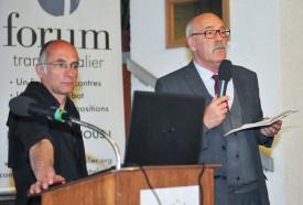 Alexandre Moine, vice-président du Forum transfrontalier, et Franklin Thévenaz, syndic de Sainte-Croix, auteur du message de bienvenue. DR