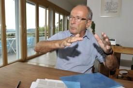 L'ingénieur civil Daniel Richardet estime avoir été victime d'une injustice dans le dossier de la piscine. © Michel Duperrex