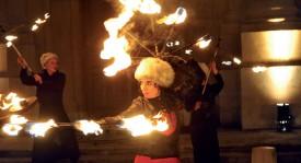 Avec son spectacle mêlant danse et parfaite maîtrise du feu, la compagnie Lumen a littéralement réchauffé l'atmosphère. ©Michel Duperrex