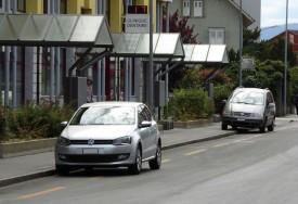 L'un des problèmes relevés: trop de voitures se parquent sur la bande cyclable de la rue d'Orbe. Les vélos doivent faire de dangereux écarts sur cette artère, qui voit passer, de surcroît, les lignes de bus Travys. DR