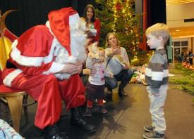 Le Père Noël ne pouvait bien sûr pas bouder un tel événement.