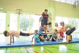 L'Ecole de cirque d'Yverdon a prodigué quelques conseils avisés aux enfants. ©Carole Alkabes