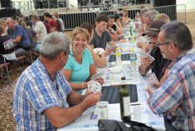 Le match aux cartes, l'ingrédient indispensable d'une fête conviviale. ©Michel Duperrex