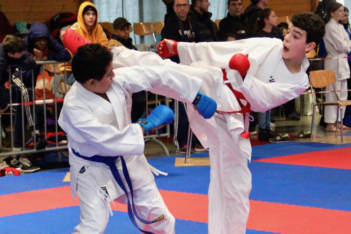 Plus de 450 jeunes sur le tatami