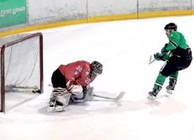 Le HC Yverdon bat Le Locle et revient à la 2e place. ©Champi