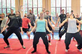 Les gymnastes du WM Team se sont entraînés cette semaine encore à La Marive, à Yverdon, afin de peaufiner leur production pour le gala de demain, à Morges, puis le Gym for Life Challenge. ©Michel Duvoisin
