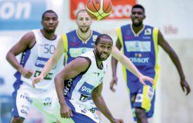 La salle des Isles fait le bonheur des basketteurs de LNA avant le début du championnat. ©Lado-a