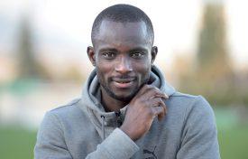 Ousmane Doumbia est Yverdonnois pour au moins six matches. Mais il espère bien terminer la saison au Stade Municipal. ©Michel Duperrex
