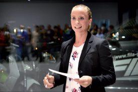 Une cinquantaine de ses supporters ont répondu favorablement à l'invitation d'Elodie Jakob. Ils ont pu échanger avec elle autour d'un sympathique apéro, mardi passé, au garage Fila. ©Michel Duperrex