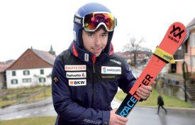 La technique est également jugée en télémark. Si les règles de l'art ne sont pas respectées, alors le skieur reçoit une pénalité de temps. ©Stephan Bögli / Swiss-Ski