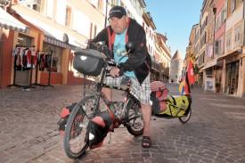 Aventure – Alain Zwahlen se rendra d'Yverdon en Norvège et retour à vélo, l'an prochain. Un périple de 8575 km pour lequel il récoltera des fonds en faveur de l'association Porte-Bonheur, qui vient en aide aux enfants orphelins de Suisse. ©Michel Duperrex