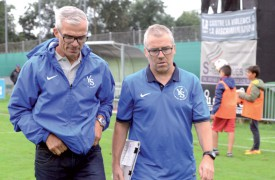 Philippe Perret (à g.) et son assistant Robert Lüthi sont à la tête d'une équipe qui marque à tour de bras. ©Michel Duvoisin