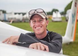 Jean-Pierre Oudot, instructeur au club de vol à voile d'Yverdon-les-Bains. © Simon Gabioud