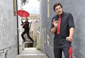 Yvan Richardet (à g.) et Grégoire Leresche offriront des visites guidées bien particulières de Grandson. © Michel Duperrex