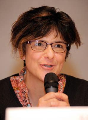 Les intervenants de la table-ronde ont exploré les pistes d'action; de g. à dr.: Chantal Varrin, responsable du département des projets suisses à l' Entraide Protestante (EPER),... © Nadine Jacquet