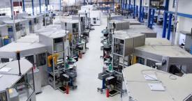 La nouvelle halle de production des Usines Métallurgiques de Vallorbe est bien plus lumineuse que l'ancienne. © Blanchard