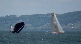 Ça a parfois été sportif sur le lac de Neuchâtel, dimanche. ©Bol d'Or Henri Lloyd
