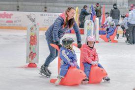 Le week-end a permis au Centre sportif de la Vallée de Joux de célébrer sa Fête de la glace. Une journée pas de tout repos pour les parents. ©Pierre Blanchard