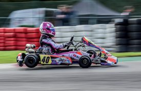 Léna Bühler au volant d'un karting de sa nouvelle écurie belge, le DCK Racing Team. ©Pascal Verheuge