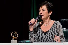 La présidente Rosalba Dumartheray représentait le BC Yverdon, nommé club de l'année après avoir, notamment, atteint la finale de LNA. ©Michel Perret