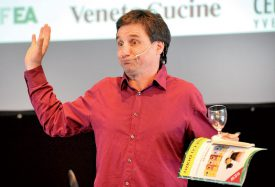 L'humoriste Benjamin Cuche, qui a assuré l'animation durant le repas. ©Michel Duperrex