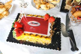Leonel Silva a apporté un gâteau spécialement pour l'occasion. © Carole Alkabes