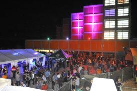 Les festivaliers sont venus nombreux sur le site de Cheseaux-Noréaz de la HEIG-VD. ©Michel Duvoisin