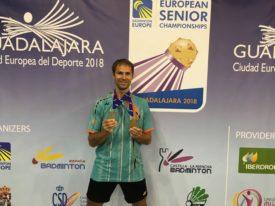 Jan Fröhlich, médaillé d'argent en simple et de bronze en mixte des plus de 35 ans.