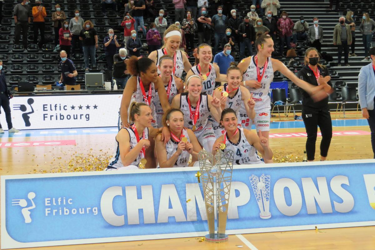 Tiffanie Zali et Elfic Fribourg remportent leur deuxième titre de la saison