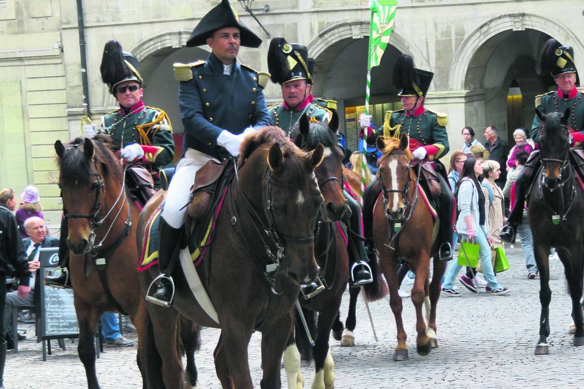 Le corps des chasseurs à cheval va se féminiser