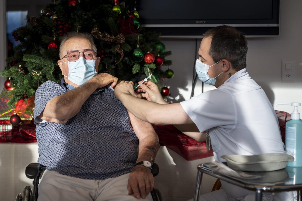 Le premier Vaudois a été vacciné ce matin au Mont Pélerin