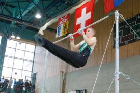Grâce à une note de 9.35 à la barre fixe, Francis Buchi (Yverdon Amis-Gymnastes) est parvenu à se hisser parmi les huit meilleurs gymnastes nationaux qualifiés pour la finale à cet engin. © David Piot