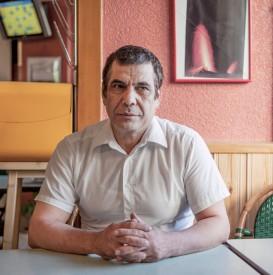 Fawzy Saber, gérant du café du coin. @Simon Gabioud